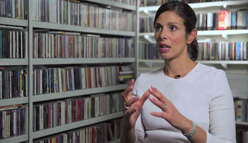 Rachel Botsman, Thinker, Collaborative Consumption: Trust me - this changes everything